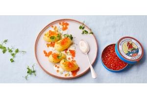 Pommes de terre à l'anglaise, crème, œufs de saumon