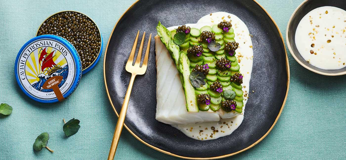 Cabillaud, asperges et caviar Alverta